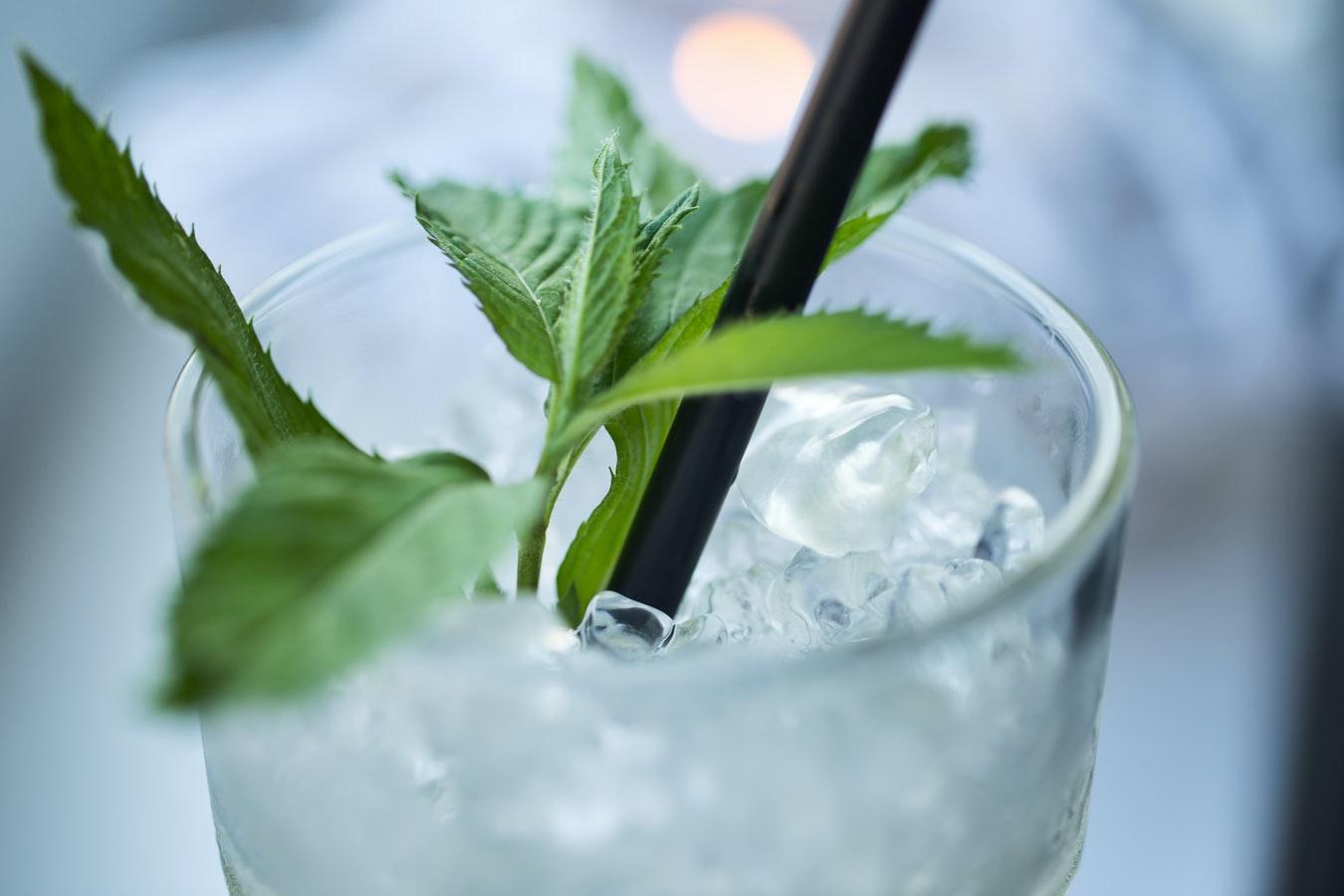 """Πόσες θερμίδες """"κρύβουν"""" τα ποτά; Συμβουλές για υπεύθυνη κατανάλωση!"""