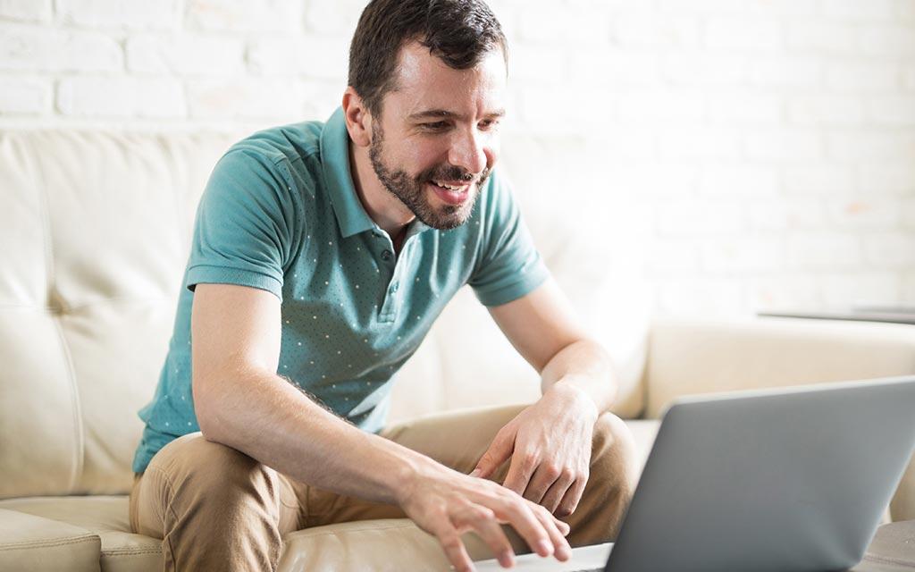 Πώς να μείνετε θετικοί στο σπίτι εν μέσω πανδημίας