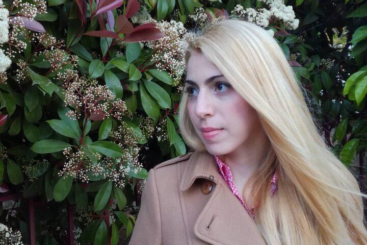 Συνέντευξη   Η Μαρία Αλεξοπούλου γράφει για όσους προσπαθούν να αποδιώξουν το πέπλο της θλίψης