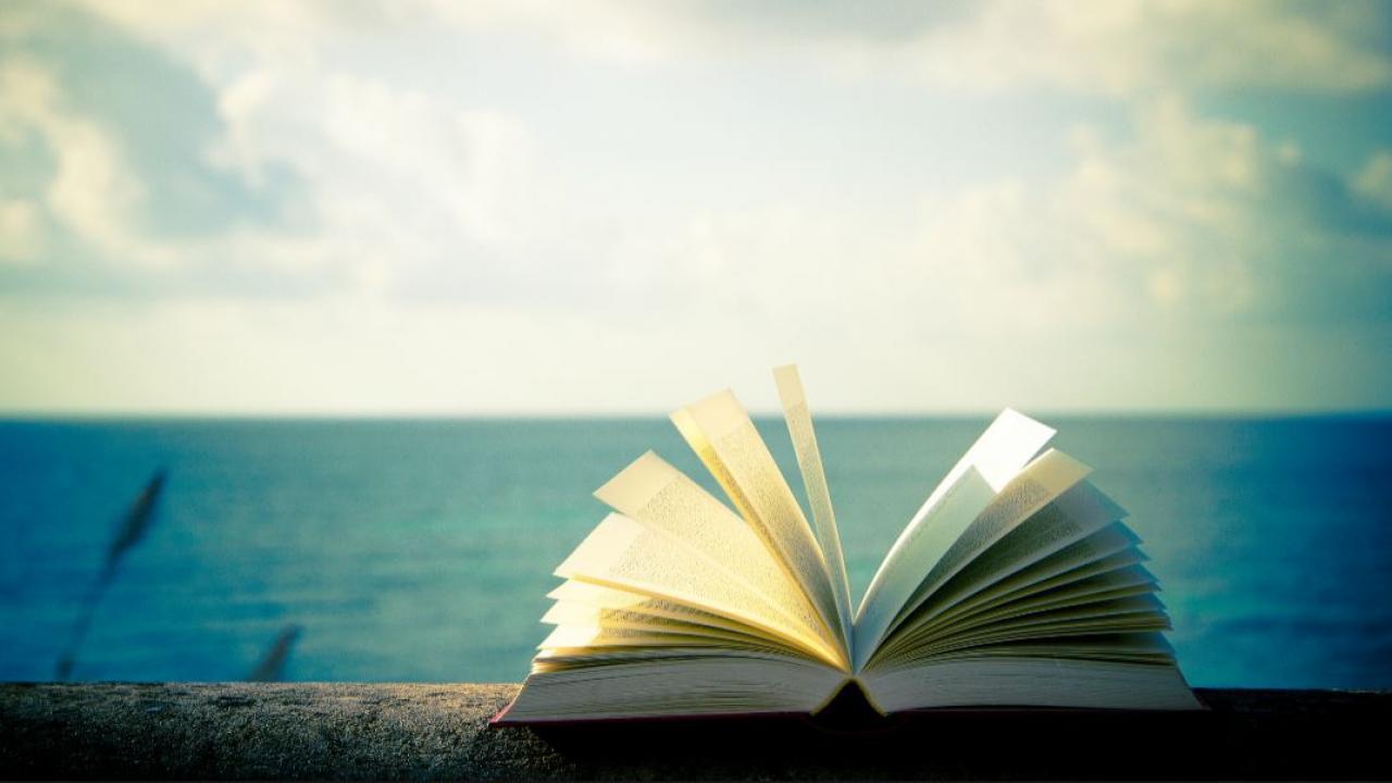 Βιβλία παντός καιρού που θα μας συντροφεύσουν το καλοκαίρι 2021